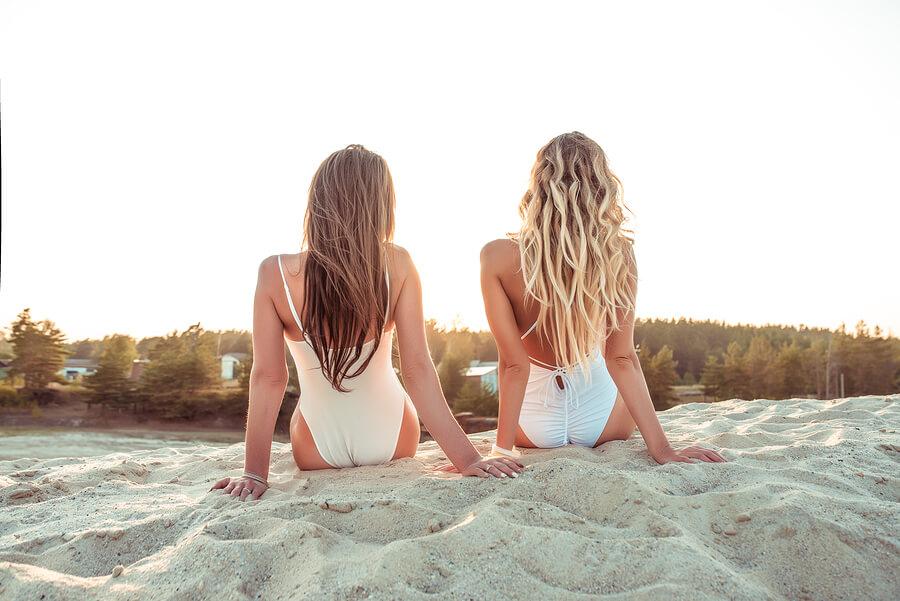 Επανόρθωσε τα μαλλιά σου μετά το καλοκαίρι!