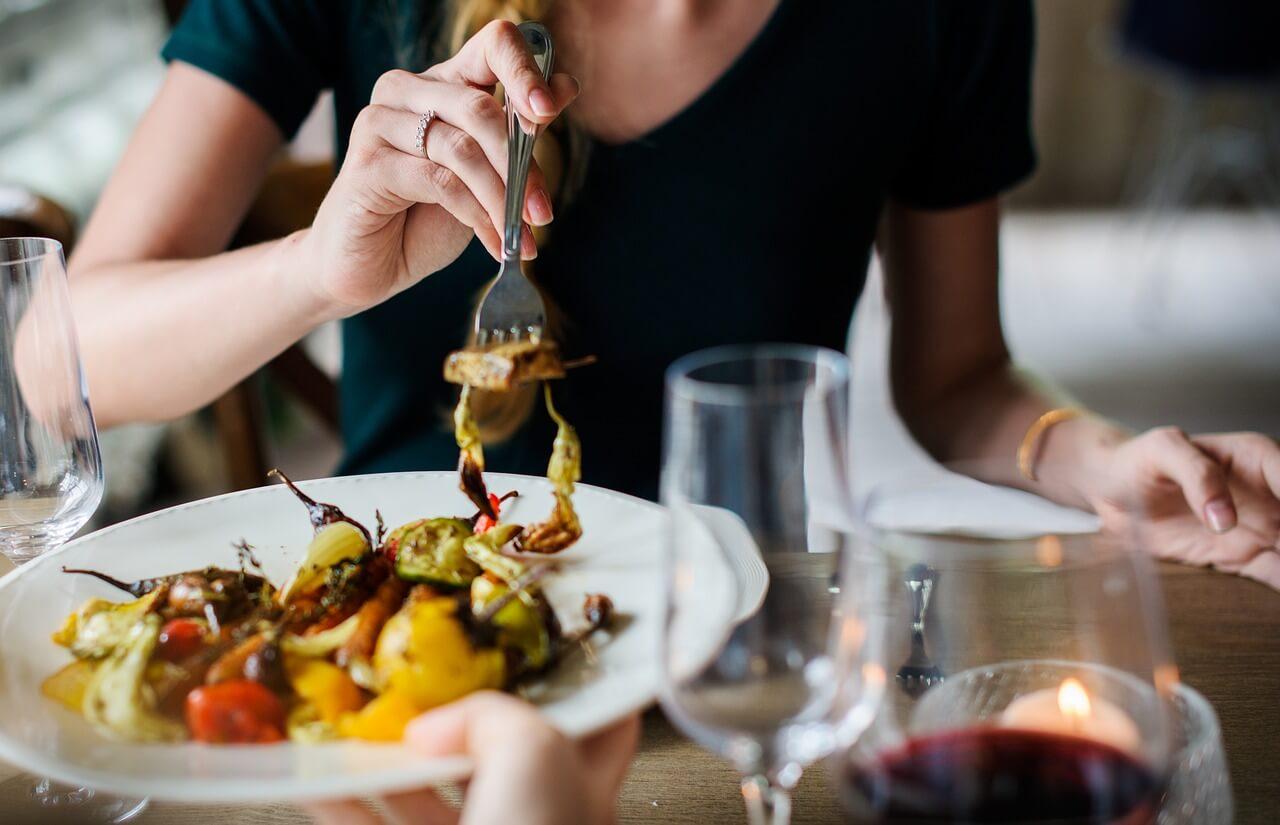 Διατροφή και Στοματική Υγεία. Το γνωρίζατε ότι η στοματική σας υγεία και η διατροφή σας συνδέονται;